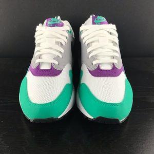 Nike Women's Air Max 1 WhiteBlack Wolf Grey Clear Emerald